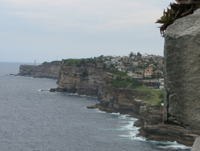 Cliffs over the Pacific at Vaucluse